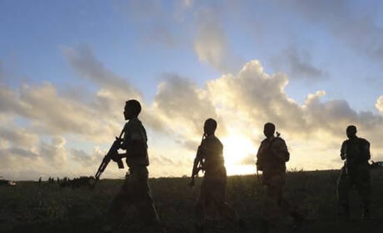 معركة بالأسلحة النارية وسط مقديشو والأمن الصومالي يغلق الشوارع