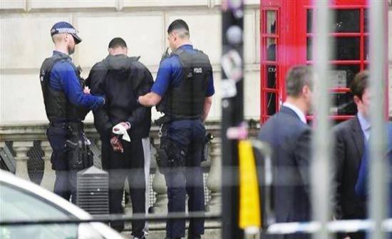 بريطانيا: القبض على 21 مشتبهاً بهم في مداهمات ضد مهربي البشر