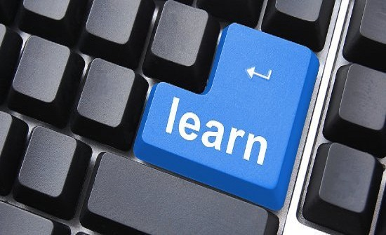  تحديات تعيق التعلم الإلكتروني.. ضعف البنية التحتية ونقص المؤهلين