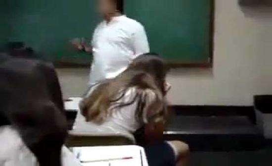 """داخل جامعة كويتية.. """"دكتور"""" يلمس جسد """"طالبة"""" ويحاول الاعتداء عليها"""