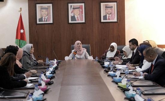 لجنة المرأة النيابية تؤكد ضرورة متابعة أنظمة قانون الحماية من العنف الأسري
