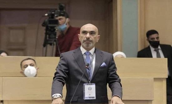 النواب يطالبون بمحاسبة رئيس هيئة النزاهة.. والحكومة ترد