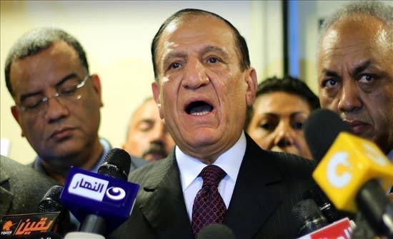 """مصر.. نجل """"عنان"""" يقول إن والده يتعرض لـ""""ظلم"""""""