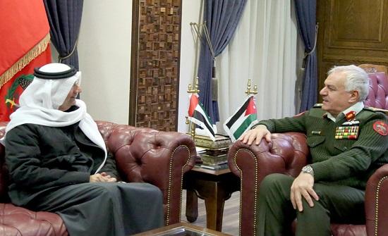 رئيس هيئة الأركان المشتركة يستقبل السفير الإماراتي