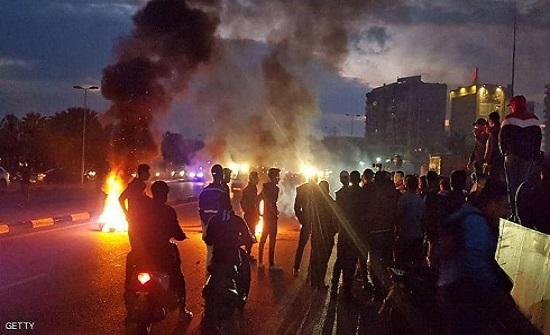 بعد يوم مهاجمة مقر البلدية.. قطع طرق في طرابلس شمالي لبنان