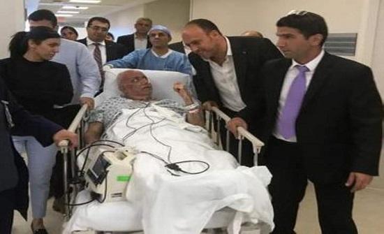 نقل صائب عريقات الى مستشفى هداسا بالقدس بعد تدهور حالته الصحية