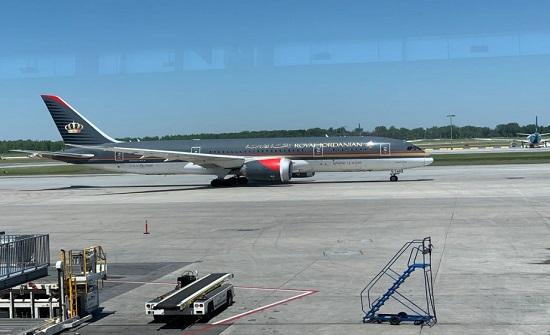 وصول طائرة تقل أردنيين عائدين من كندا