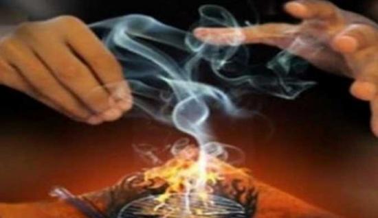 الجزائر : جريمة شنعاء.. قتل أخته وابنتها في طقوس سحرية