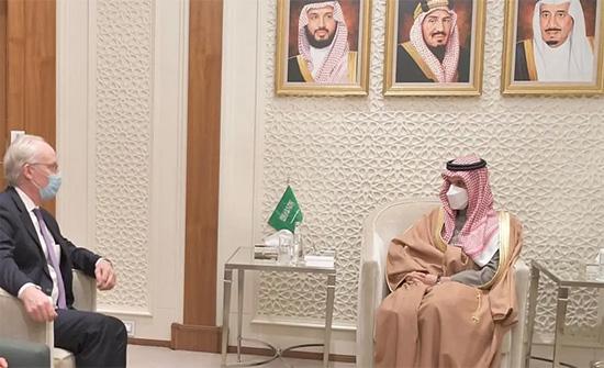 السعودية تبحث مع امريكا الجهود المشتركة لتسوية الأزمة اليمنية