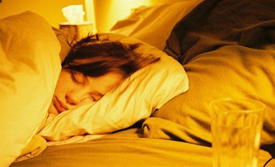 5 طرق بسيطة لنوم عميق بدون أرق