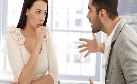 كيف تتعاملين مع خطيبك العصبي لتجنب المشاكل؟