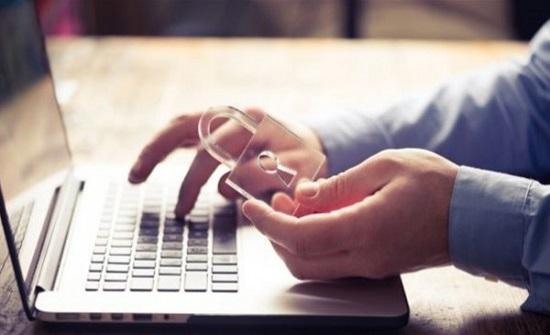"""5 نصائح من """"جوجل"""" للحفاظ على أمانك عبر الإنترنت"""