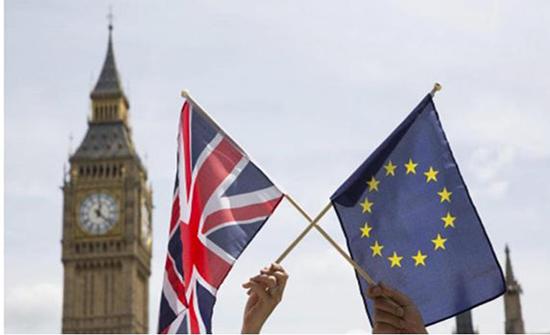الإتحاد الأوروبي وبريطانيا يتفقان على تكثيف المفاوضات