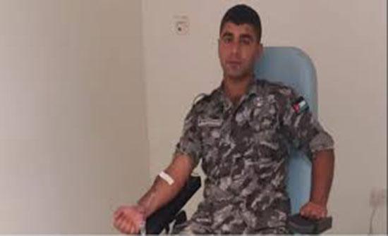 بالصور : الدرك يستجيب لمناشدة مواطنة بحاجة للدم في العقبة