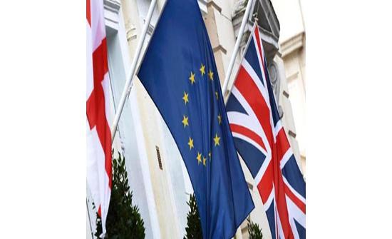 بريطانيا والاتحاد الأوروبي يستأنفان مفاوضات حاسمة بشأن بريكست