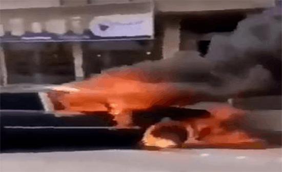بالفيديو: سعودي يسحب سيارة مشتعلة بعيداً وينقذ عدداً من المحلات التجارية