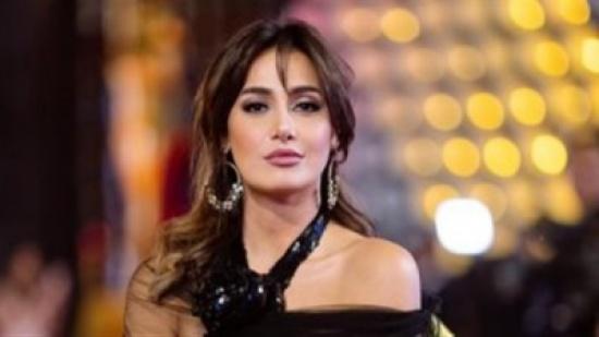 بعد تصدرها التريند.. فساتين جريئة لـ حلا شيحة عرضتها للانتقاد