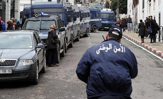 الجزائر.. تسريع التحقيق مع مسؤولين سابقين في قضايا فساد