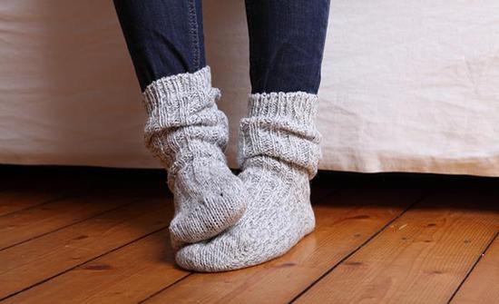 برودة أطراف الأيدي والأقدام في فصل الشتاء بسبب نسب تدفق الدم في الأوردة