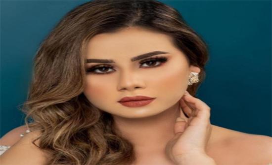 منة عرفة تهاجم متابعة شككت في دينها .. فيديو