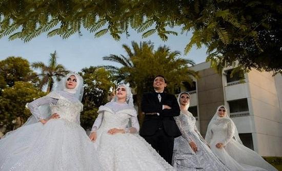 مصري متزوج من 4: يعشن في منزل واحد ويتسابقن لإسعادي  - فيديو