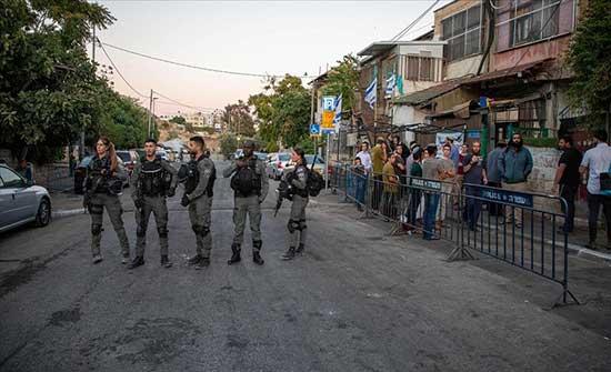 """قوات إسرائيلية تعتدي على فلسطينيين في """"الشيخ جراح"""""""