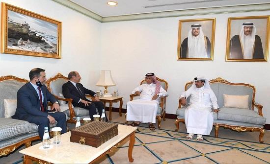 وزير الدولة للشؤون الخارجية القطري يلتقي السفير الاردني