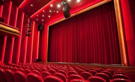 ثلاثة عروض فلسفية في مهرجان المسرح العربي