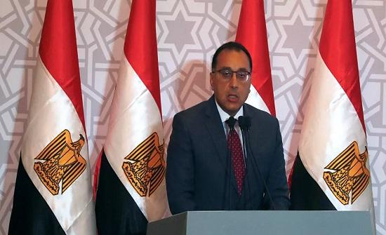 مدبولي: نقل الحالات الحرجة في حادث قطاري طهطا إلى القاهرة لتلقي العلاج