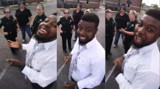 فيديو: أوقفته ثلاث شرطيات لتسجيل مخالفة.. فكان هذا هو رد فعله