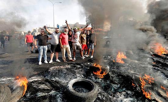 تحركات شعبية احتجاجية في لبنان ليلا