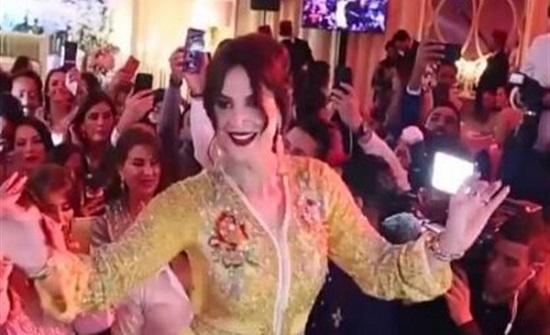 متحول جنسيًا.. راقصة عربية تثير الجدل بهذا الفيديو