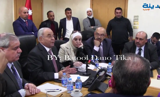 بالفيديو : التسجيل الكامل لاجتماع العبادي بالمزارعين في مجلس النواب
