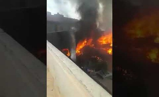 بالفيديو والصور : شاهدوا حريق سوق الروضة بعمان