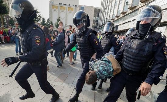 خططوا لتفجير مبانٍ حكومية.. موسكو تعتقل 16 أوكرانياً