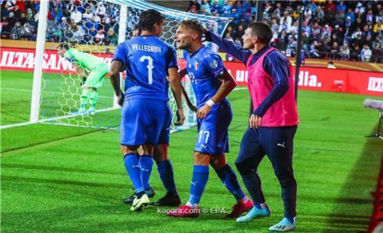 بالصور: إيطاليا تحصد العلامة الكاملة بفوز صعب على فنلندا