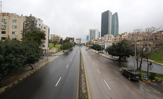 السماح للمواطنين بالحركة بعد انتهاء حظر التجول لمدة ساعة