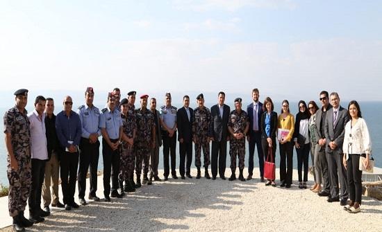 وفد من ممثلي السفارات يزور مركز الإنقاذ المائي والجبلي