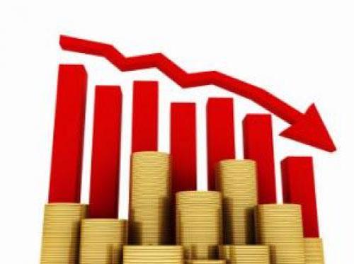 تراجع عجز الميزان التجاري 8%