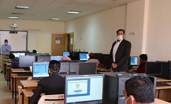 رئيس جامعة الحسين بن طلال يتفقد قاعات امتحانات المستوى للطلبة الجدد