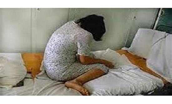 تدبير زوجته.. مفاجأة صادمة في قضية اعتداء عجوز مصري على  زوجة نجله