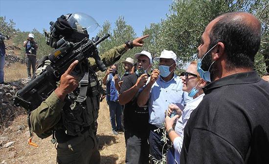 إصابة عشرات الفلسطينيين في مواجهات مع الجيش الإسرائيلي بالضفة .. بالفيديو