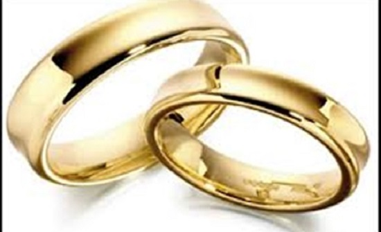 شاب أوكراني  يتزوج عجوز تكبره بـ57 عاما للتهرب من التجنيد
