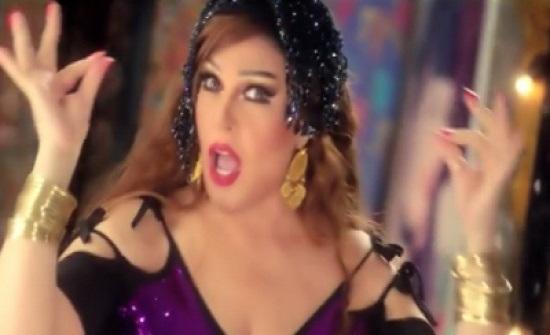 ممثلة مصرية تحذف صورة نادرة لها مع فيفي عبده ببدلة رقص