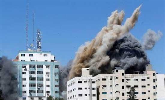 """غانتس يتبرأ من تصريحات قائد الجيش الإسرائيلي بشأن """"أسوشيتد برس"""" في غزة"""