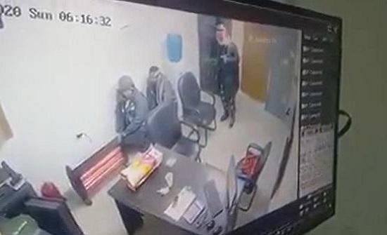 شاهد بالفيديو : لحظة السطو على محطة محروقات في ناعور