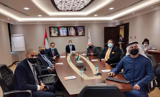وفد مشترك من القضاء العسكري ووكالات الأمم المتحدة يزور معهد دبي القضائي
