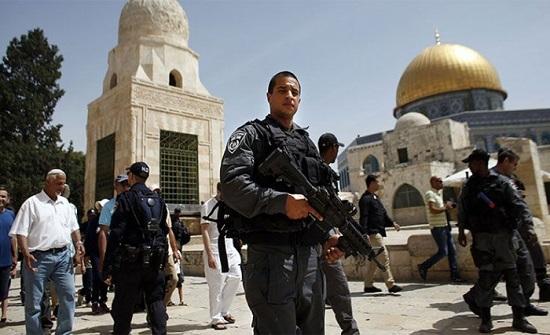 شرطة الاحتلال الإسرائيلي تعتقل حارساً من المسجد الأقصى