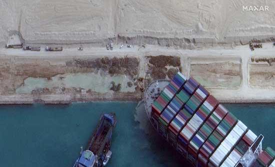 مستشار السيسي يكشف عن أضرار قد تكون لحقت بالسفينة الجانحة نتيجة اصطدامها بحافة قناة السويس