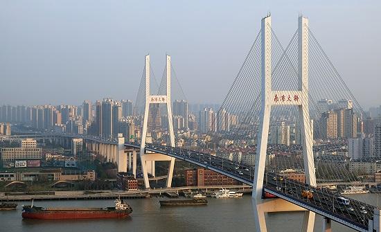 الصين: فيضانات تدمر جسرا يرجع تاريخه لأكثر من 480 عاما